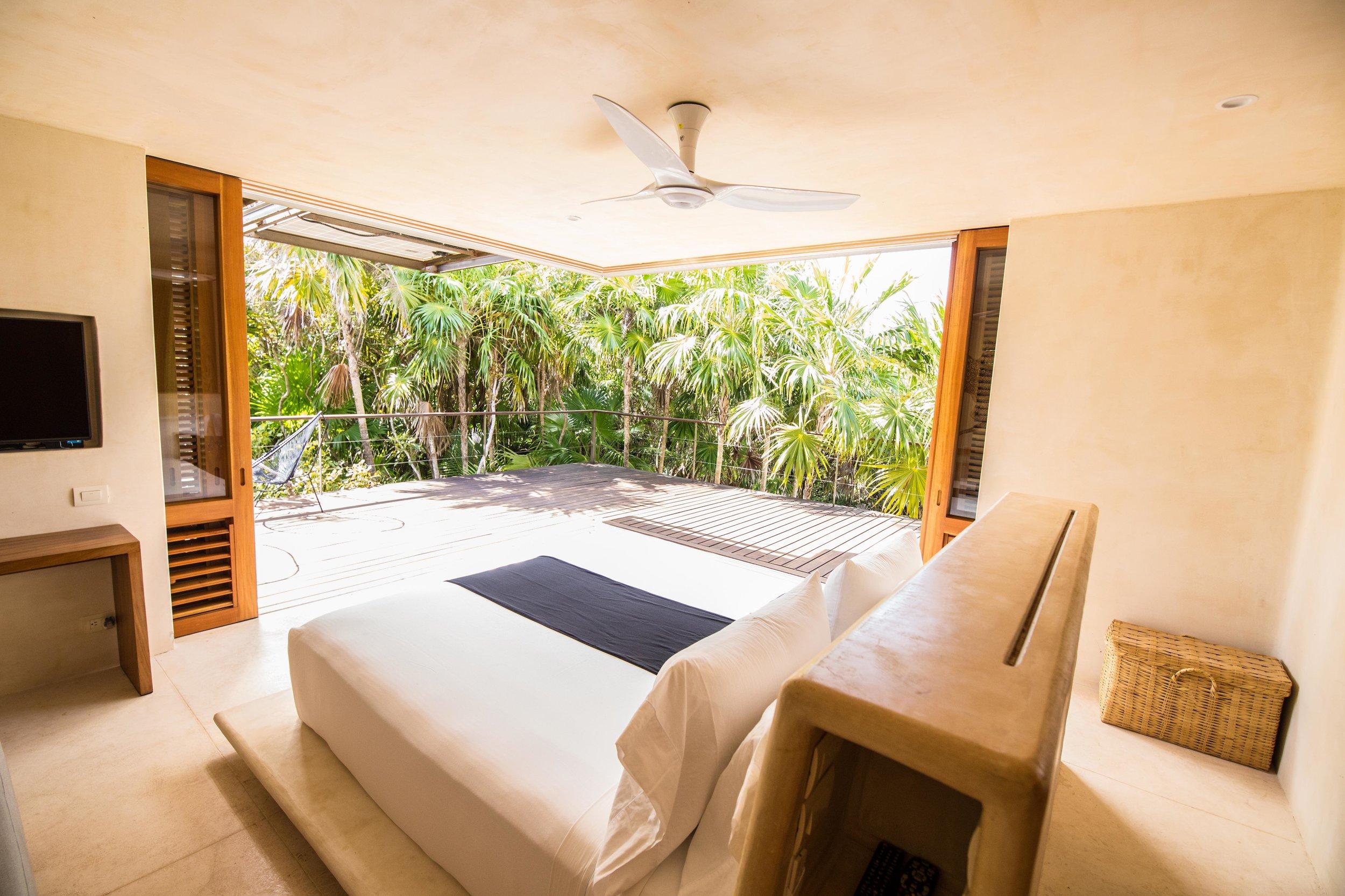 IMG_1946 - Na'iik - Octopus bedroom and terrace - © Nico T.jpg