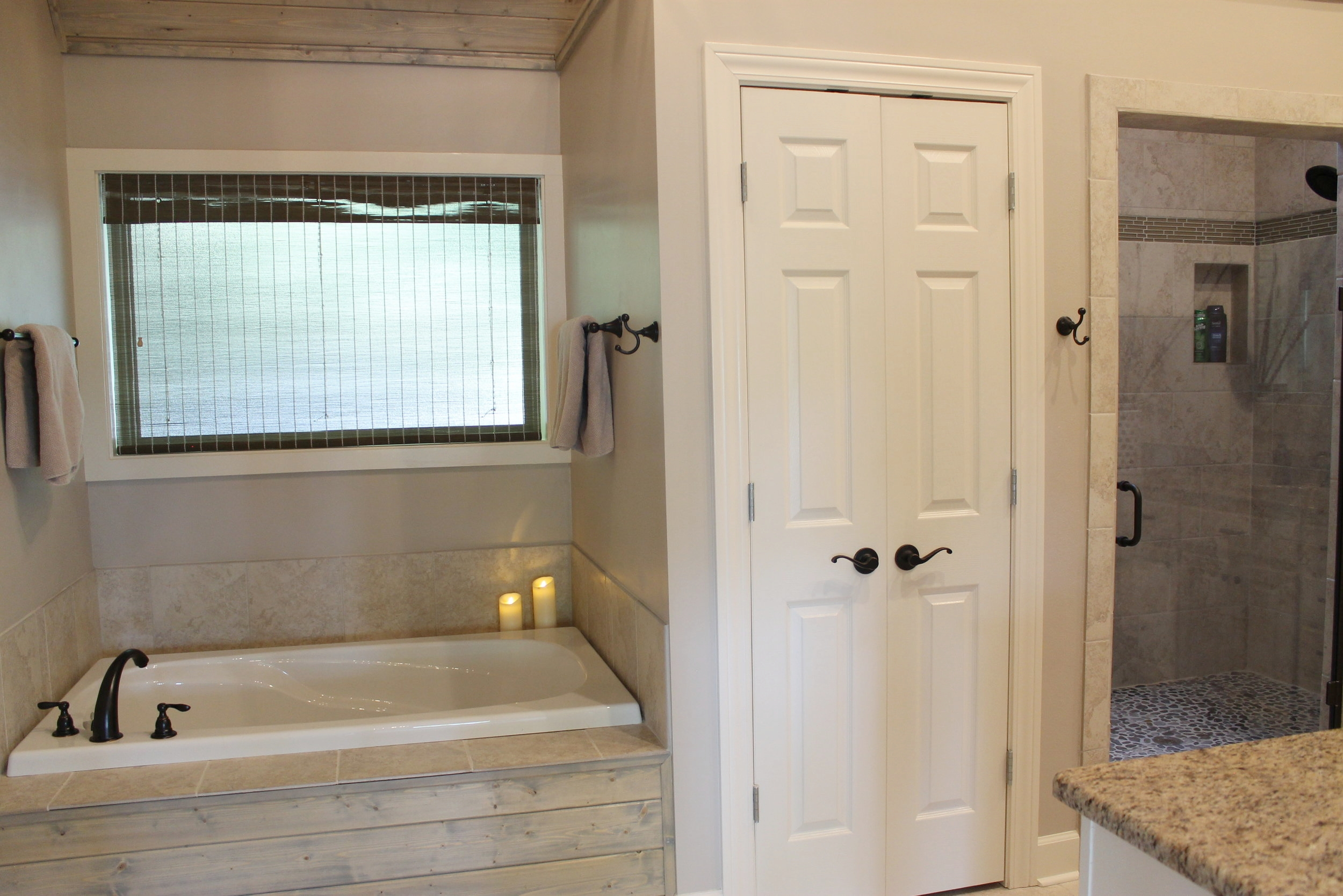 Prime Design Memphis, LLC - Arkansas Lake House, Master Bathroom