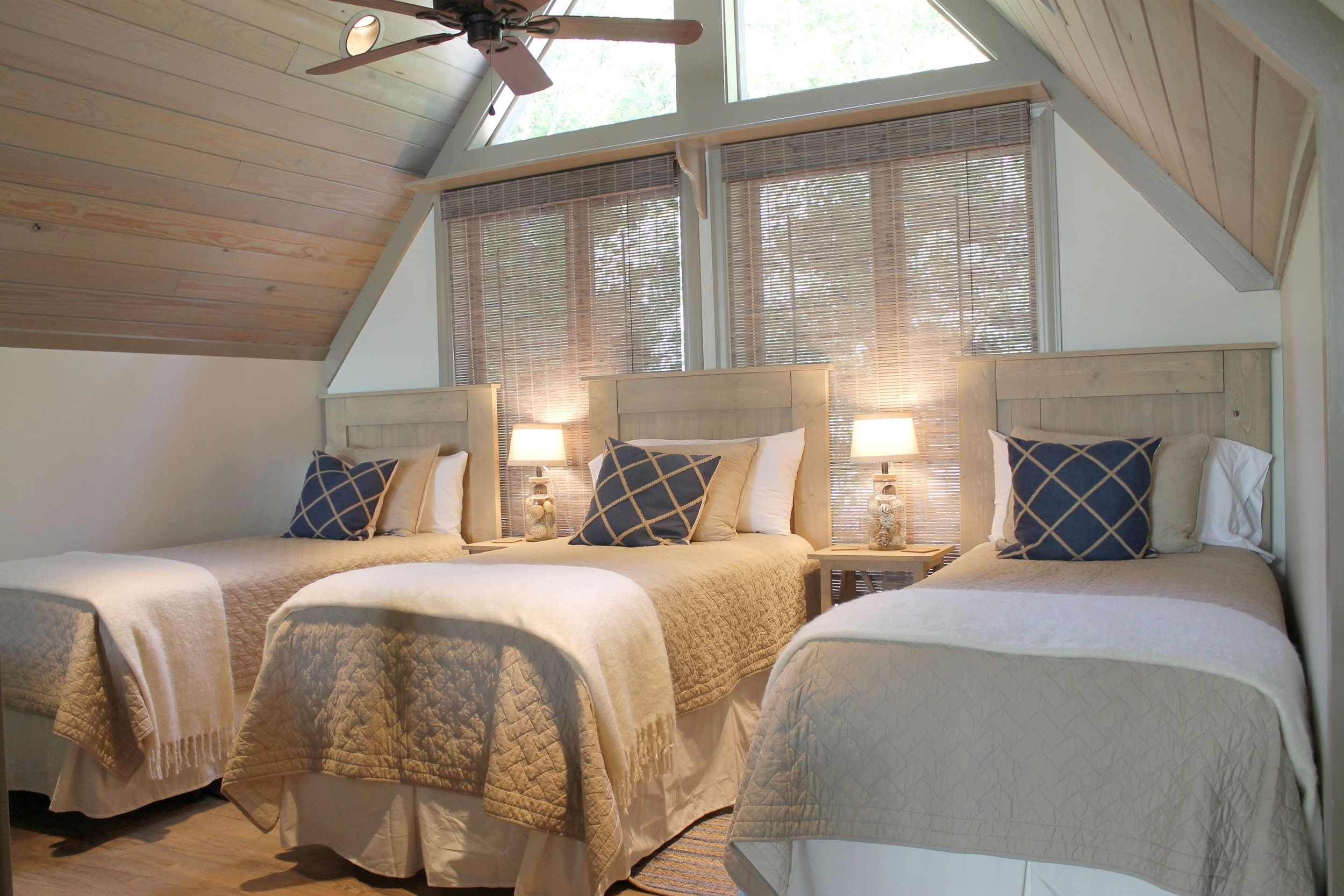 Prime Design Memphis, LLC - Arkansas Lake House, Loft, Twin Beds, Vaulted Rustic Ceiling