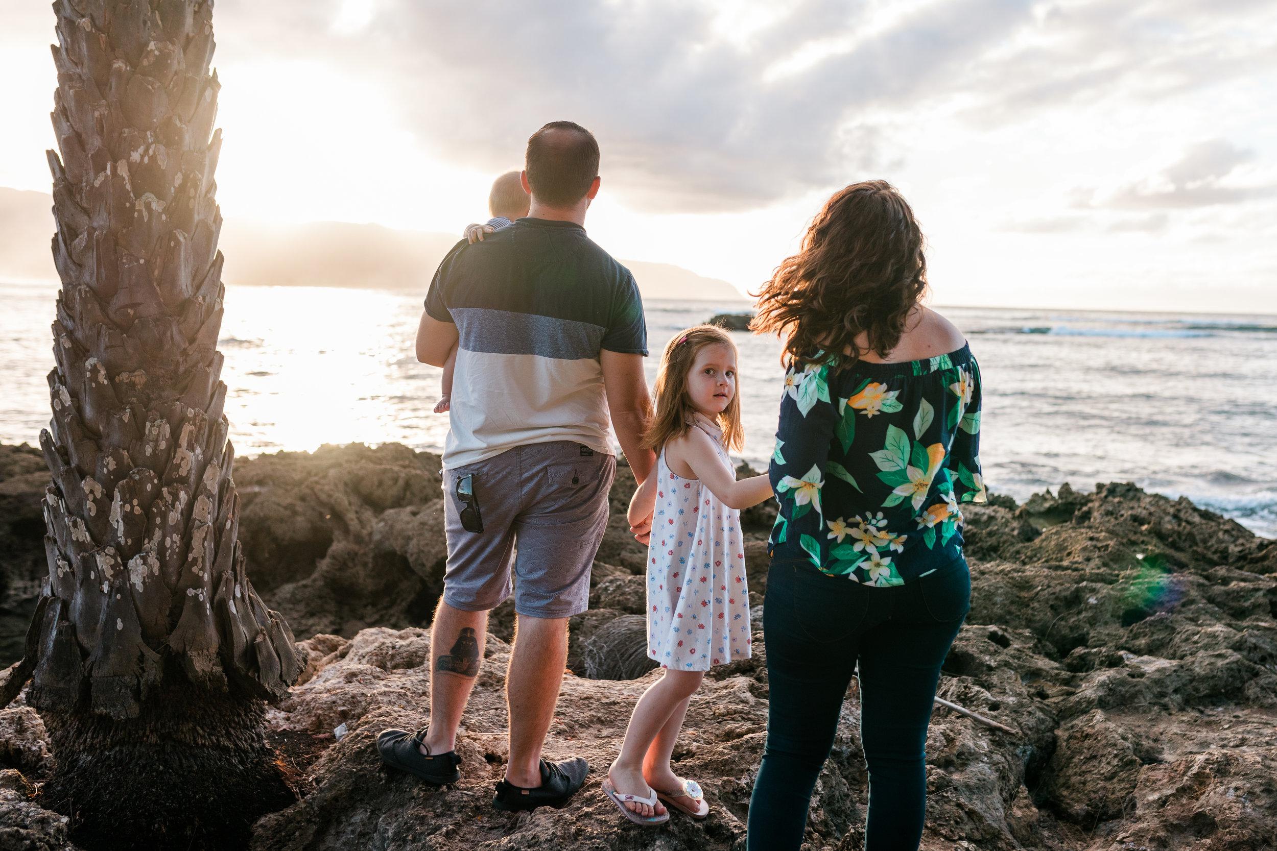 2018-12-02 Legue with Elle Family Photos Haleiwa-48.jpg