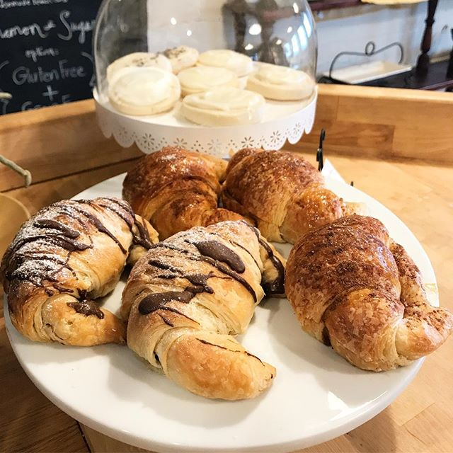 Fresh out of the oven, yummy cinnamon and honey croissants & chocolate hazelnut croissants.