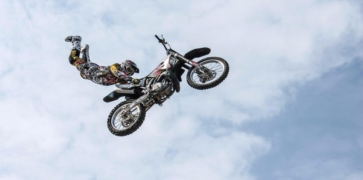 dangerous motorcycle seat grab in Utah crash