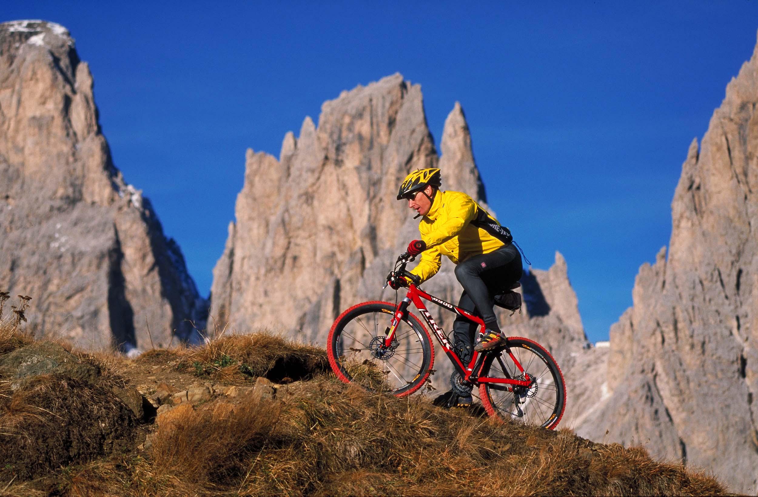Bike Rudi vor Zinnen qf Img0066 bb_shp2500px_JPGQU5mittel_381KB_real474K.jpg