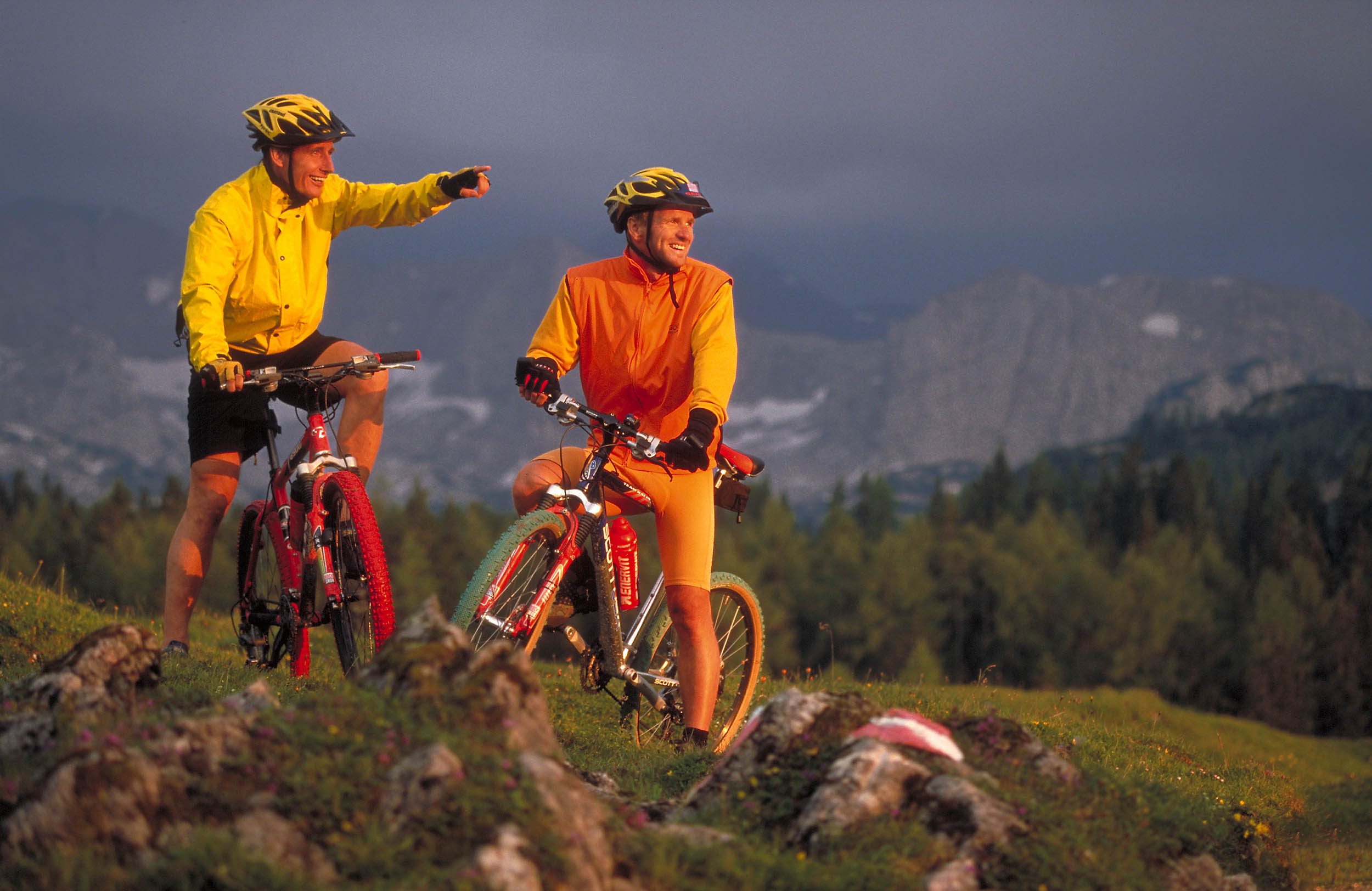 Rudi u Gerry bike new Img0032new bb_shp2500px_JPGQU7mittel_370KB_real421KB.jpg