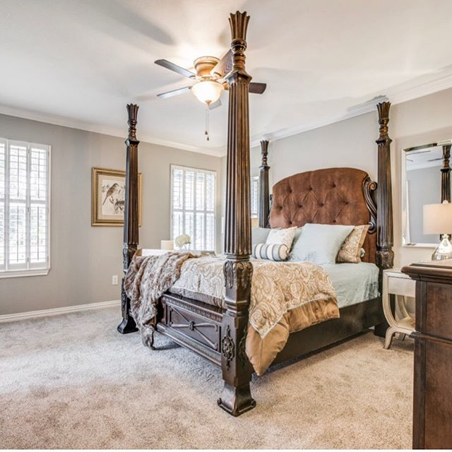 Another bedroom staged and ready to sell! 👏😊 . . . . . #homestagers #dentontx #letushelpyousellyourhome🏡 #bedroomstyling #interiorinspo #interiorstylists #stagedtosell #illuminare