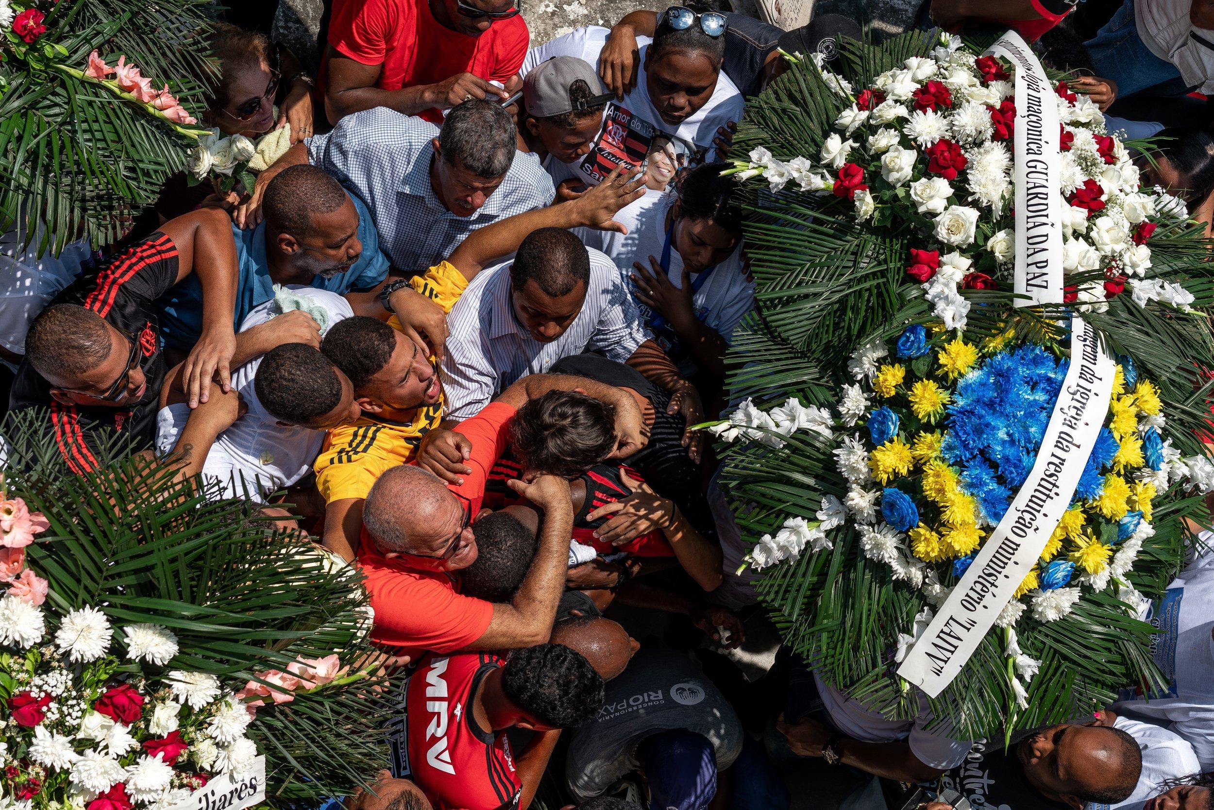 CHGardiner - 2019-02-10 - Iraja Funeral Flamengo-19.jpg