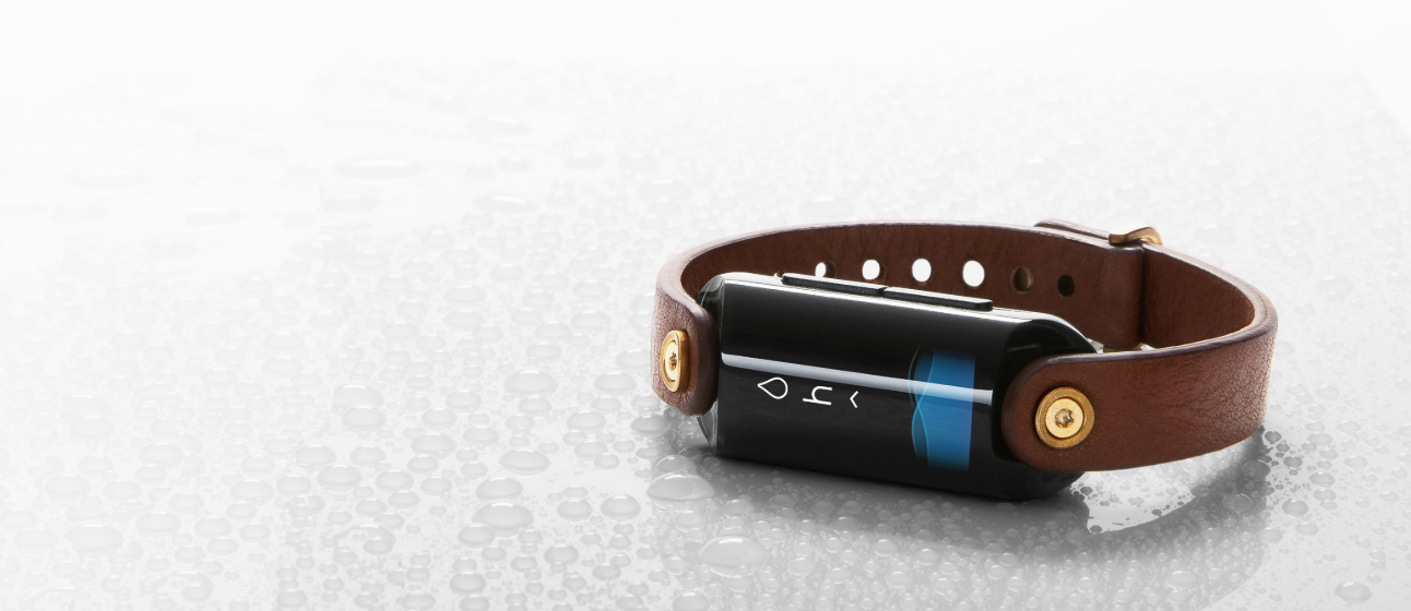 LVL is the first fitness tracker that tracks your body's hydration in real time.