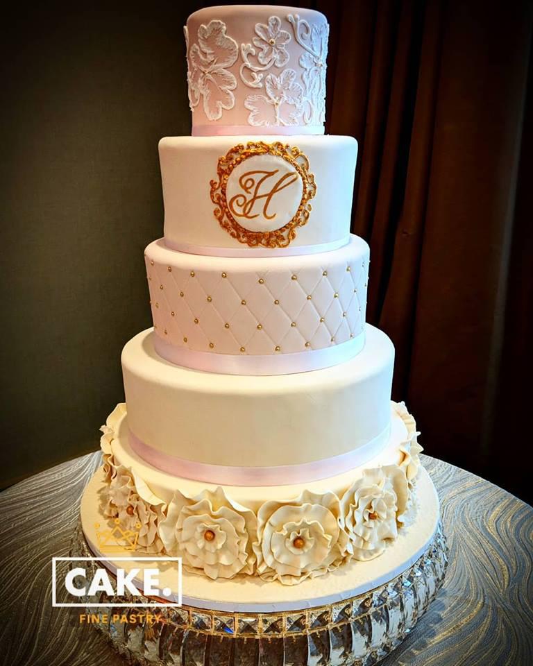 weddingcakec.jpg