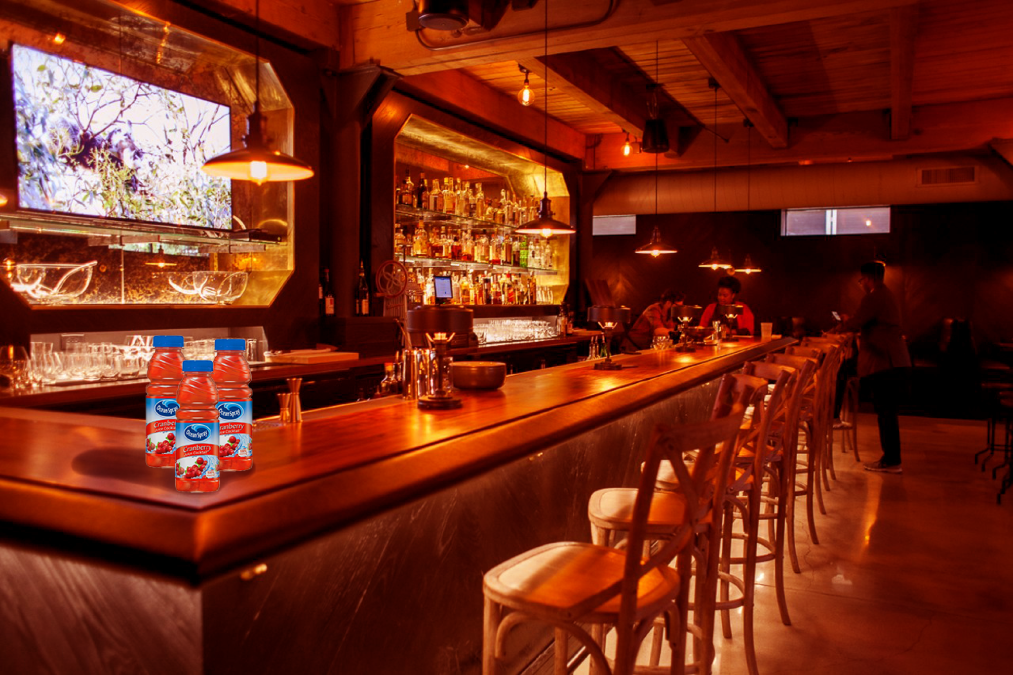 This theatrical speakeasy activation showcases a live battle between high social profile mixologists competing for the best Ocean Spray cocktail.
