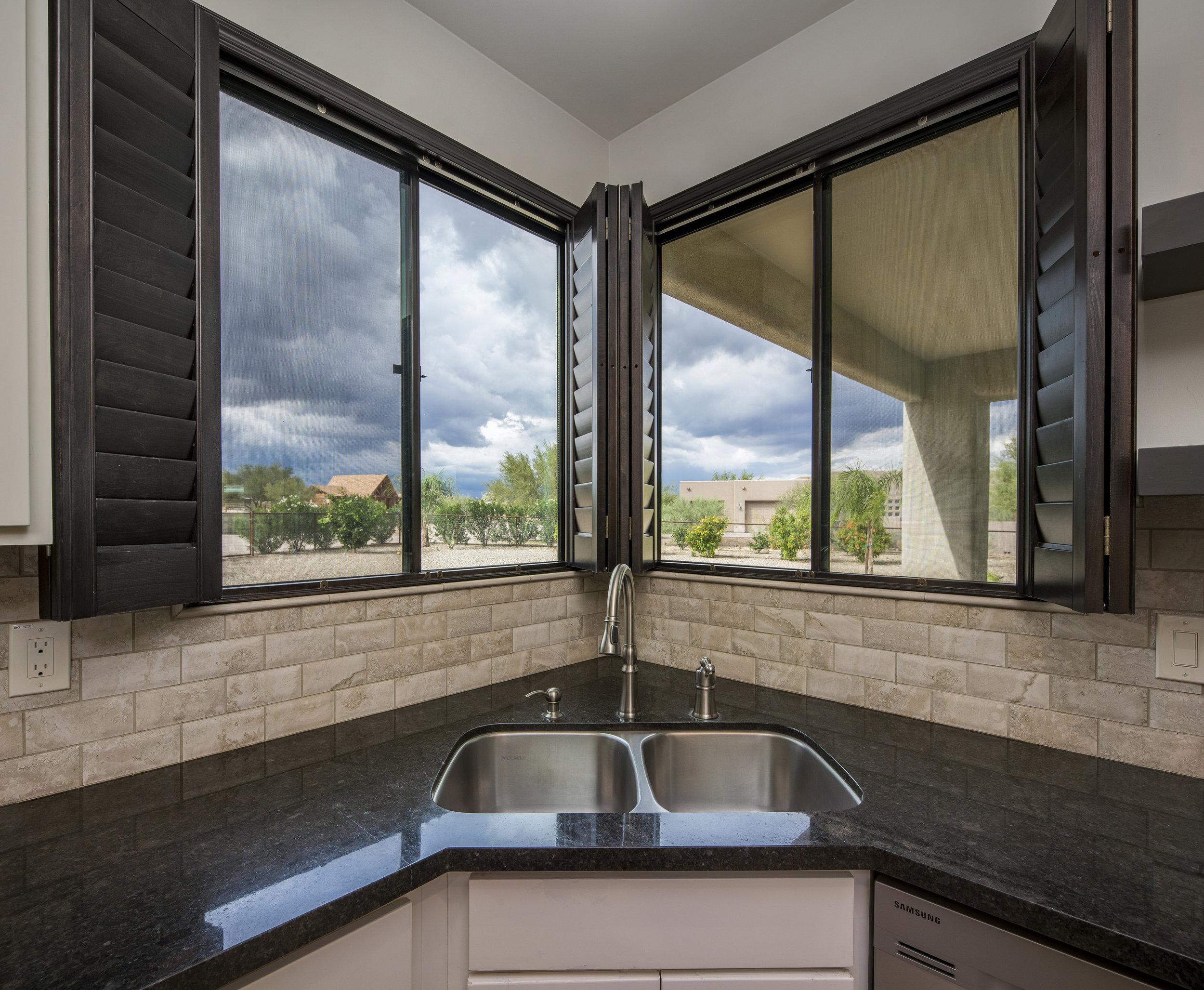 Kitchen Viewing Window.jpg