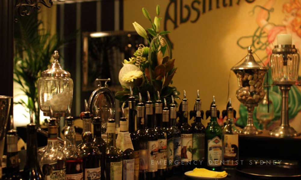 © Emergency Dentist Sydney Our Top Picks for A Smashing Sydney Summer Absinthe Salon.jpg