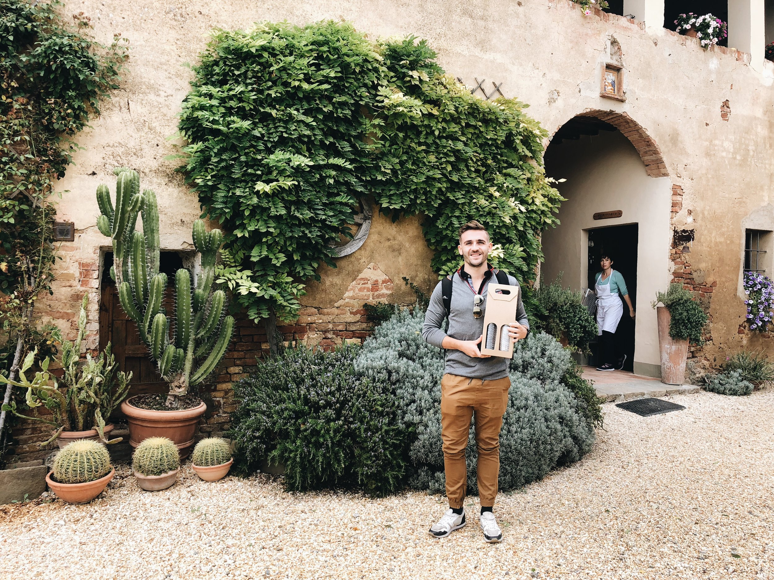 La Lastra Winery Tour Sienna Italy | What to do in Italy | Italy Wine Tour | Wine Country | Tuscany Wine Tasting | Organic Winery | Thoughtfully Thrifted Travel Blog