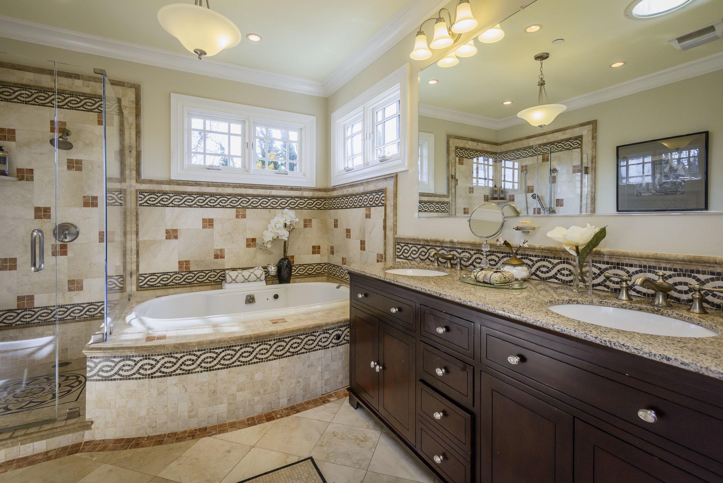 112_wildwood_ave_MLS_HID1085559_ROOMmasterbathroom.jpg