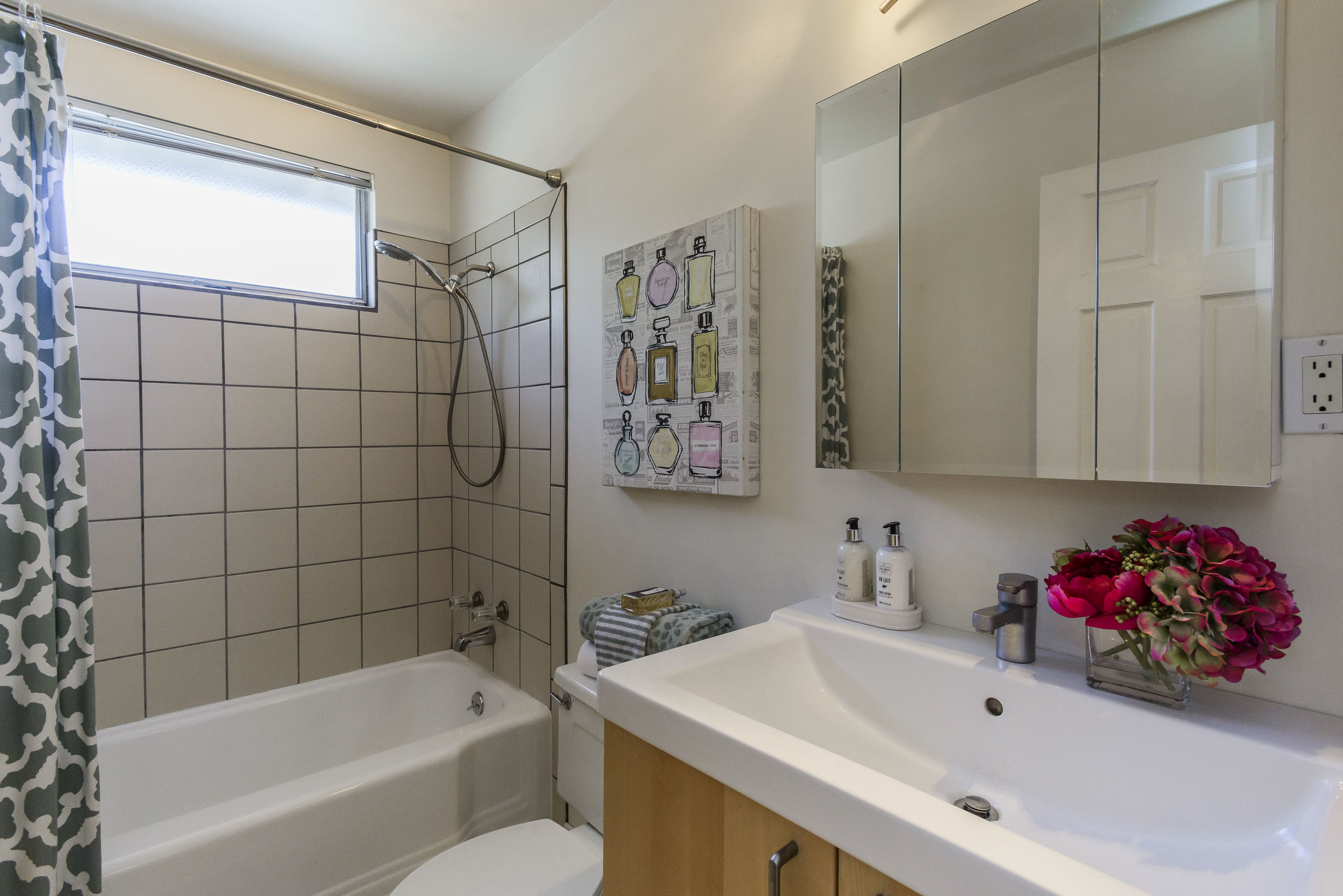 153_fairbanks_avenue_MLS_HID1109704_ROOMbathroom.jpg