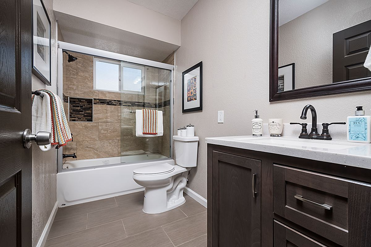 bathroom_1200.jpg