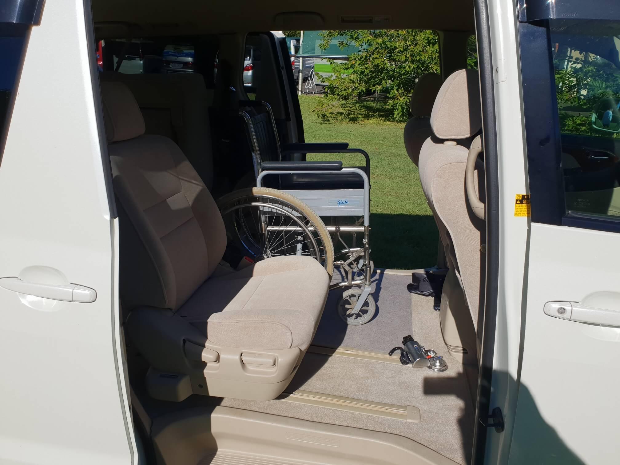 alphard-wheelchair-passenger.jpg