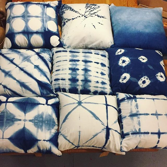 Pillow party!! ☁️☁️☁️ They aren't posted on Etsy, and I have pairs of most styles. DM me if interested! #shibori #indigo #handmade #handdyed #naturaldye #lizandlunadesign