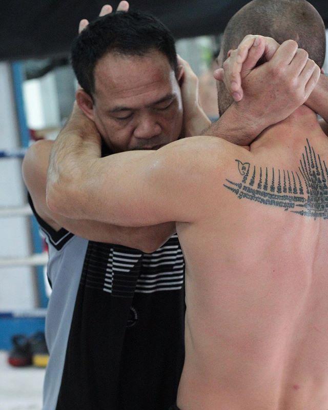 How to lock 🔒 by Krudee . . #clinch #clinching #gymbkk #muaythaigym #muaykhao #fagroup #infightstyle
