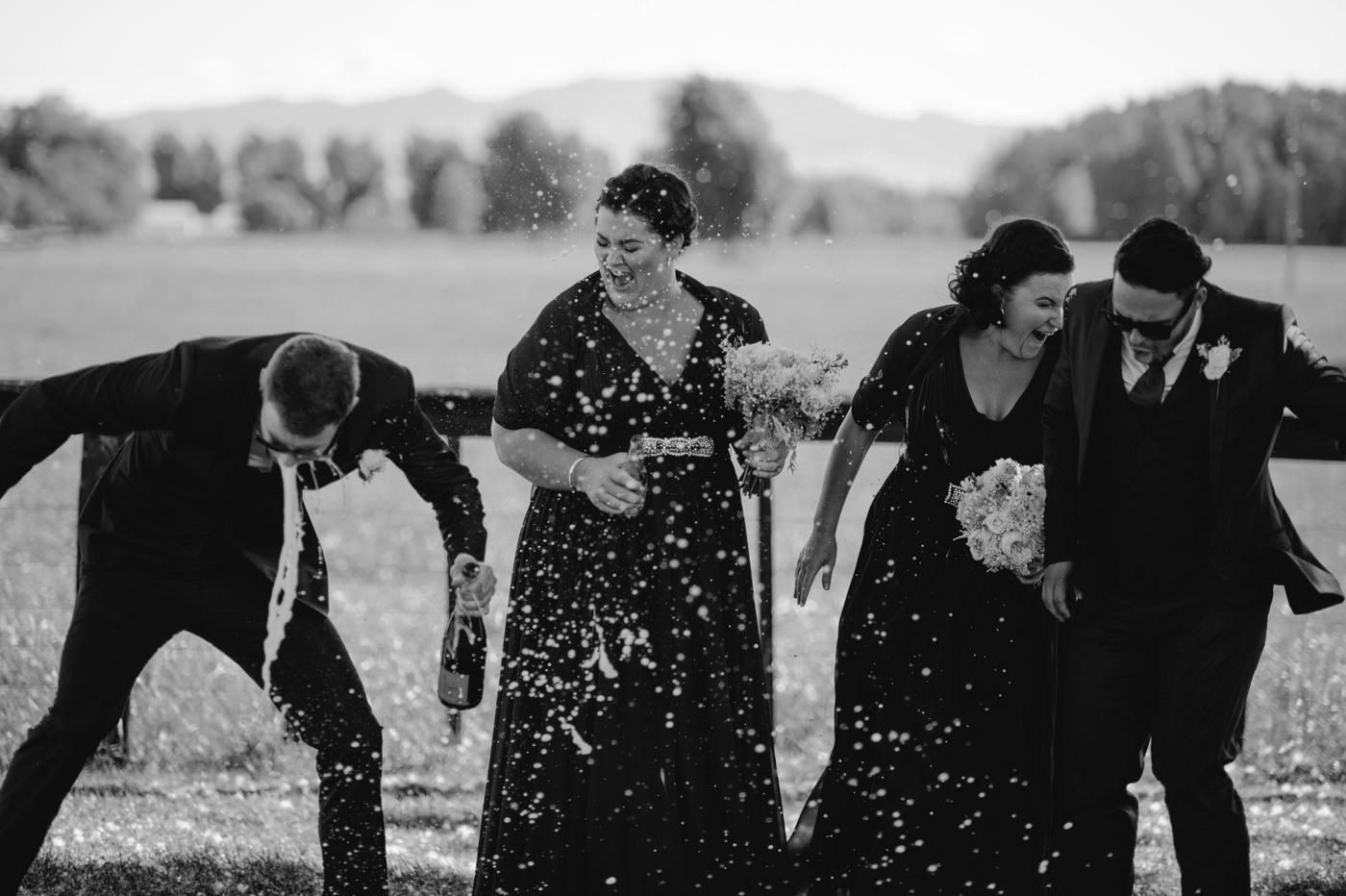 red_barn_wedding_photos-1103.jpg