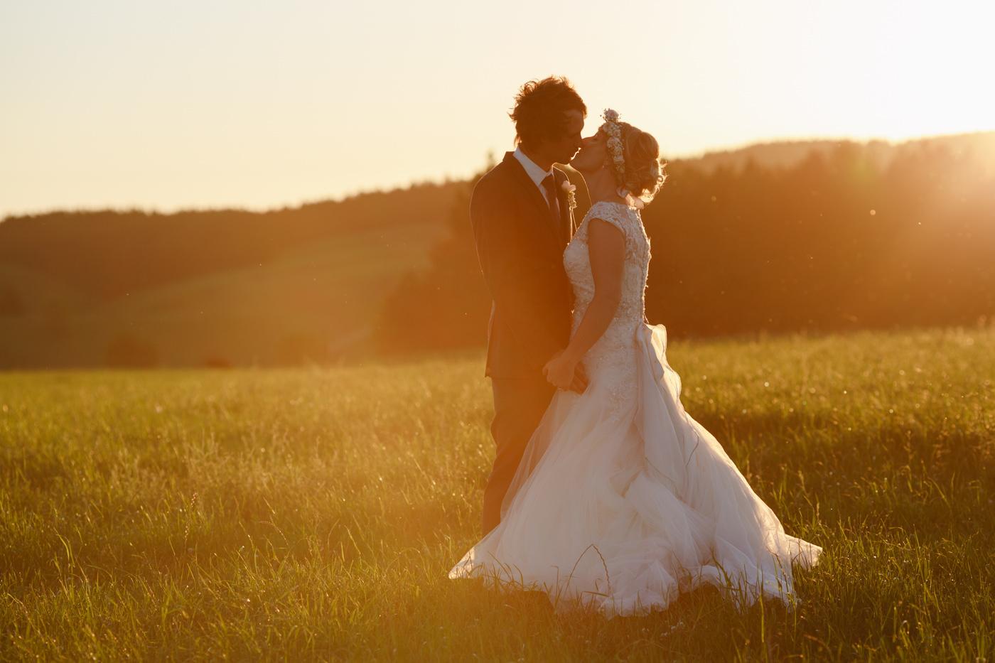 red_barn_wedding_photos-1143.jpg