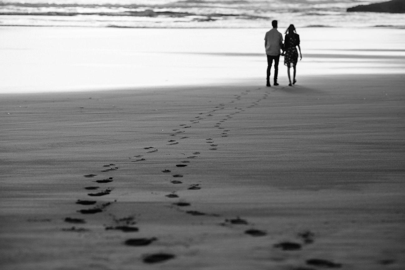 karekare_beach_engagement_photos-00005.jpg