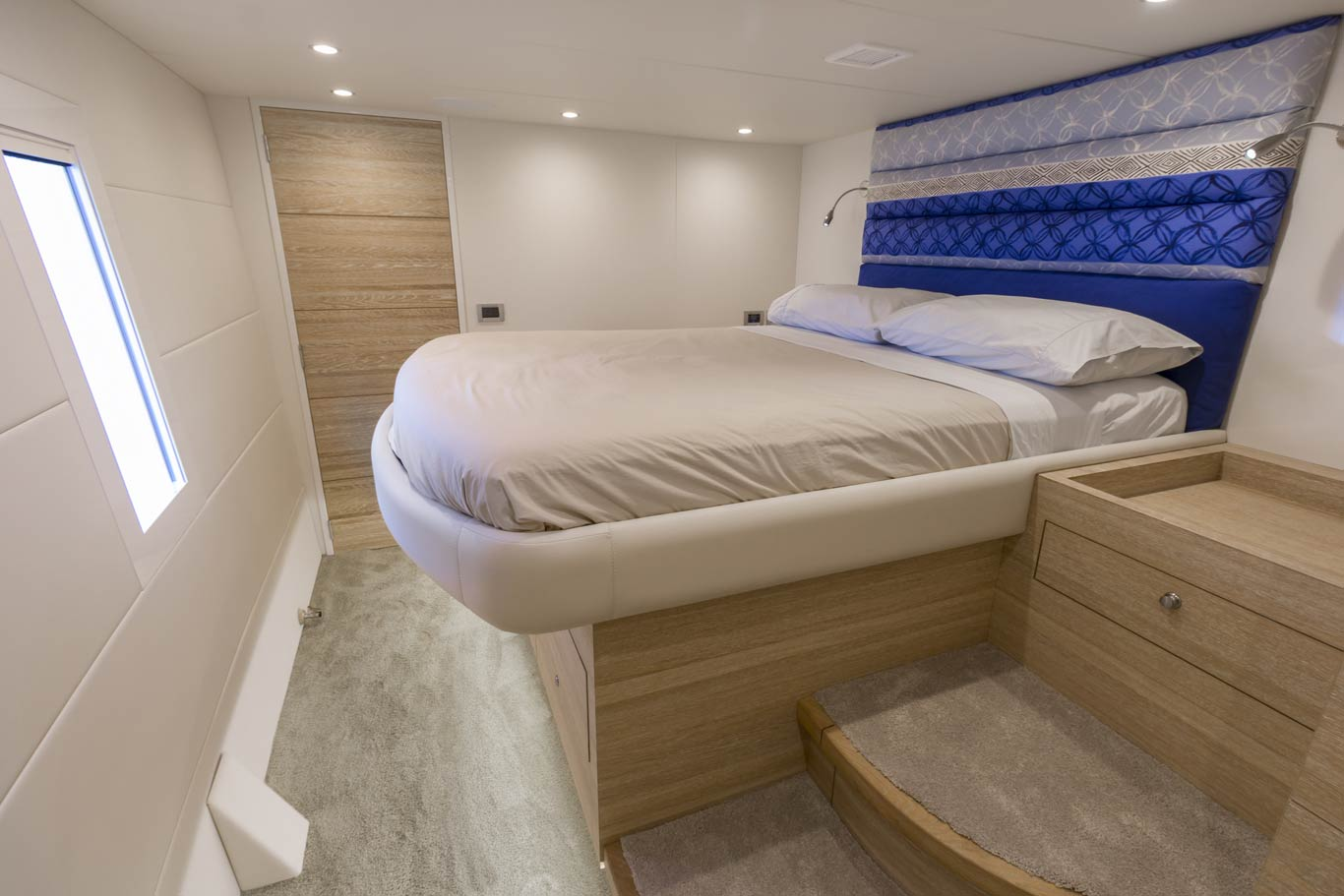 Guest cabins feature a queen size bed, audio system, independent air conditioning and dimmable LED lighting