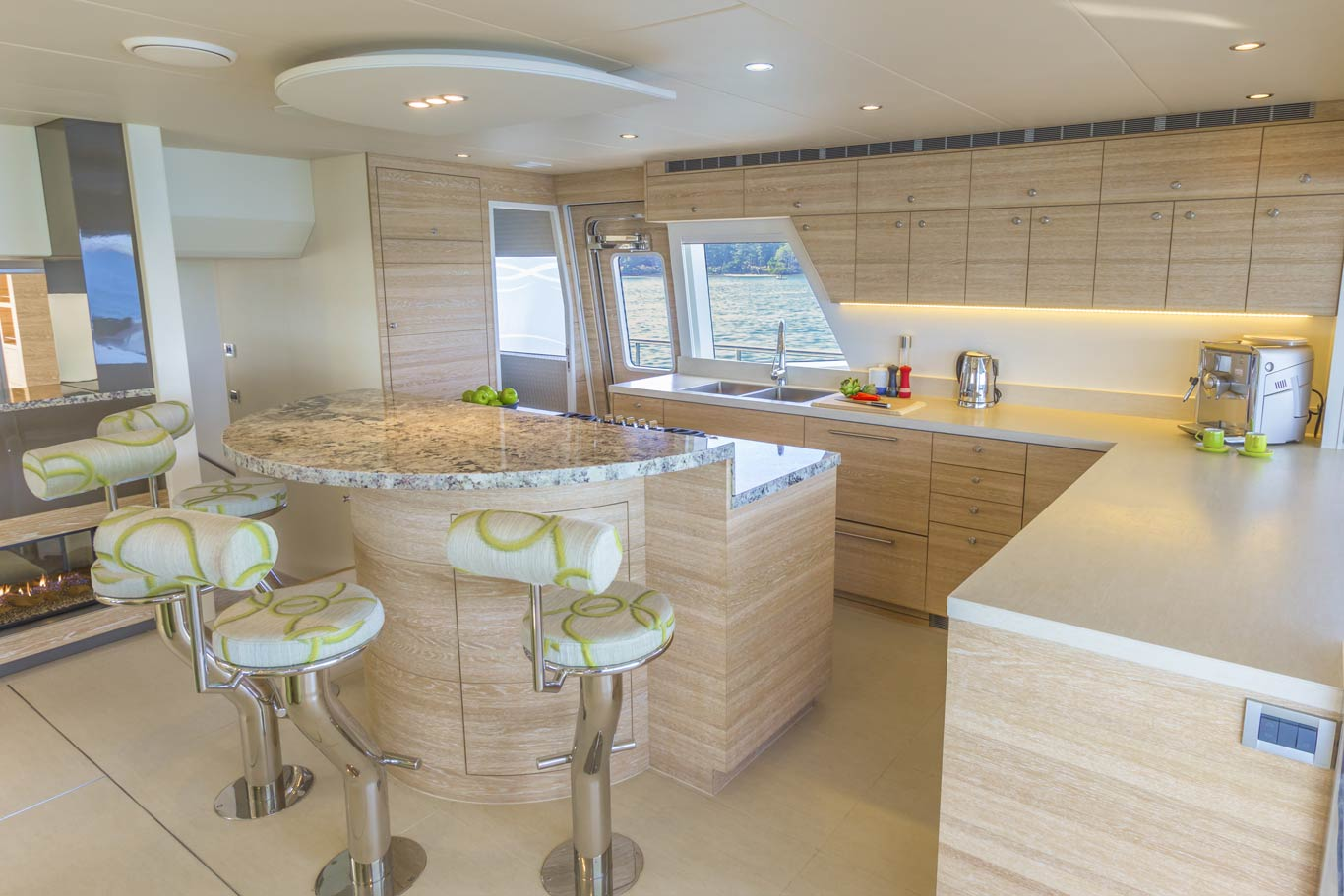 Samaras galley is equipped for entertaining, being located at the heart of the salon fosters the social atmosphere