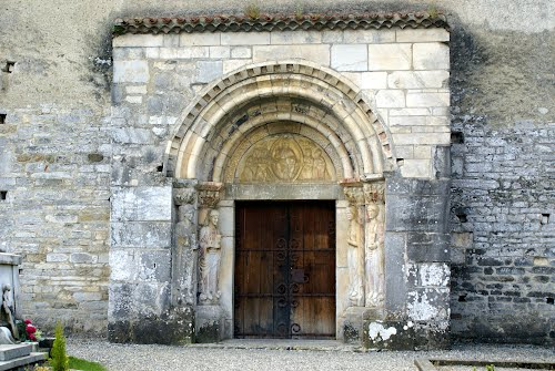 St-Just de Valcabrere, entrance to church from cemetery