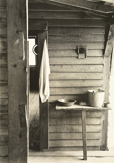 Walker Evans, Washstand in the dog run of Floyd Burroughs's cadbin, Hale County, Alabama, Summer 1936, gelatin silver print, Dietmar Siegert Collection