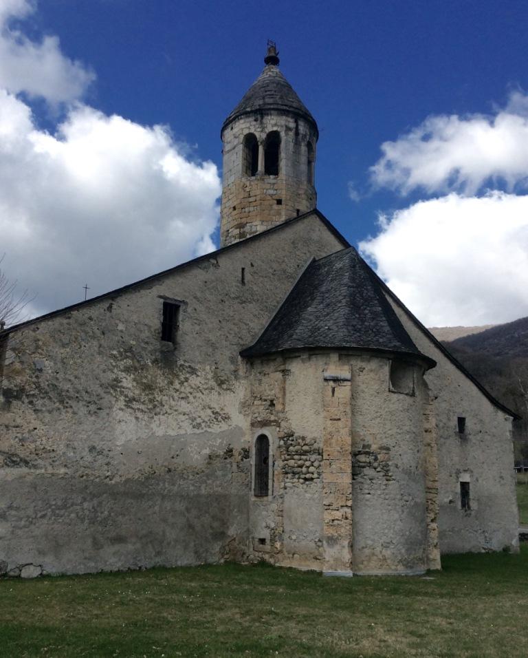 Luzenac-sur-Moulis, ND de l'Assomption rear and tower , photo J. Cook