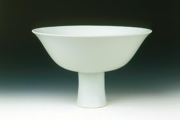 Porcelain white glazed bowl, Shunzhi Kangxi period, Qing dynasty 1650-70