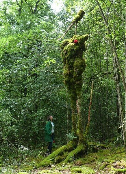 Le Geant Vert 2, Alain Bresson, living sculpture in Forest of Argentenay