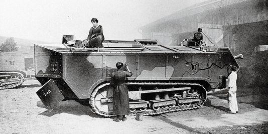 Camoufleurs at work, World War I