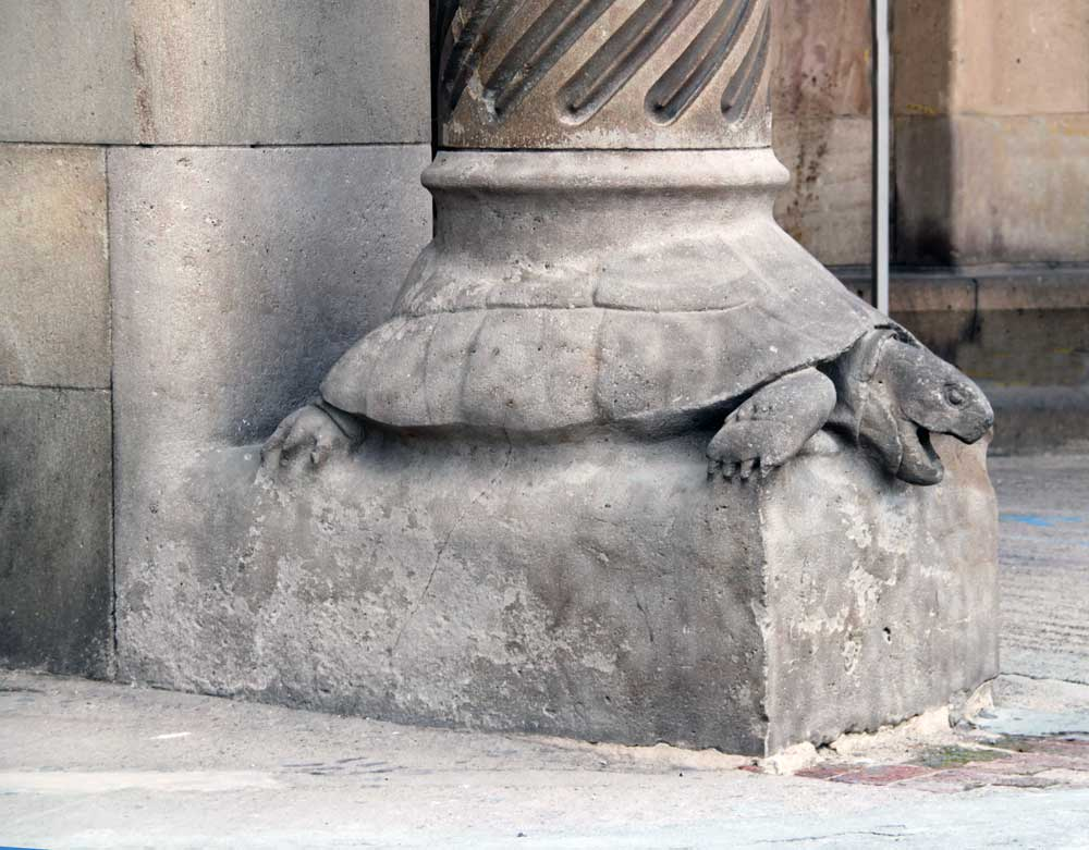 Sagrada Familia Turtle column base