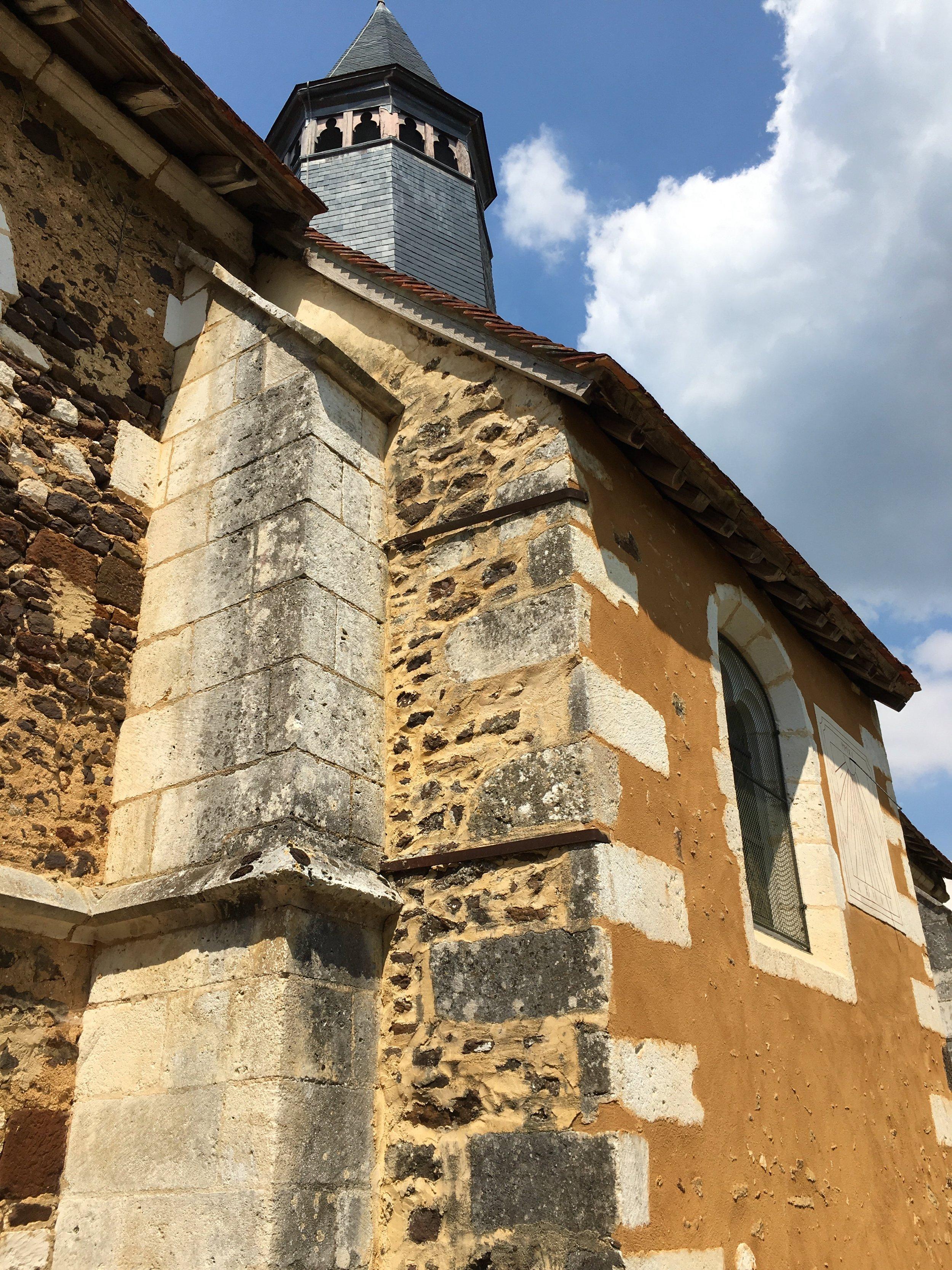 The exterior of Eglise St. Pierre, Moutiers-en-Puisaye (photograph J. Cook)