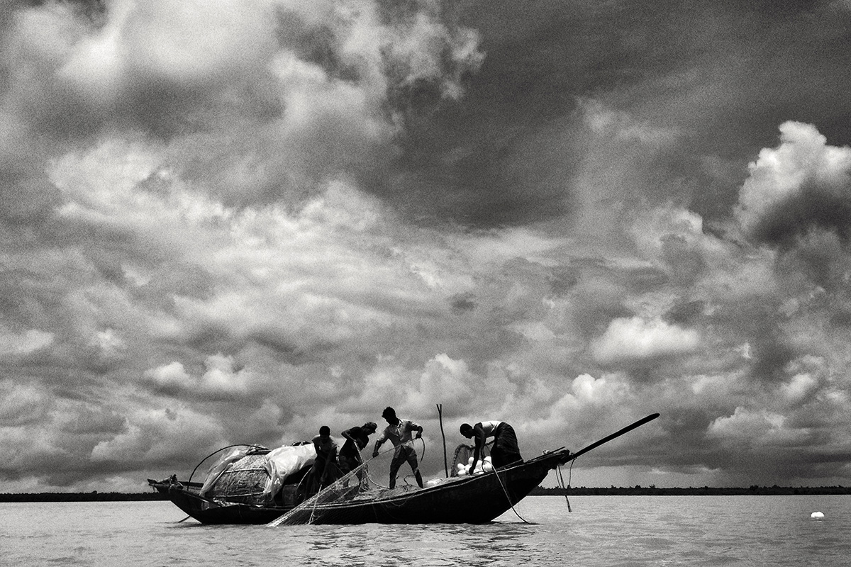 Over half a million fishers depend upon the Sundarbans for livelihood - they include fishers, crab-catchers, honey-hunters, prawn-seed collectors, and woodcutters.