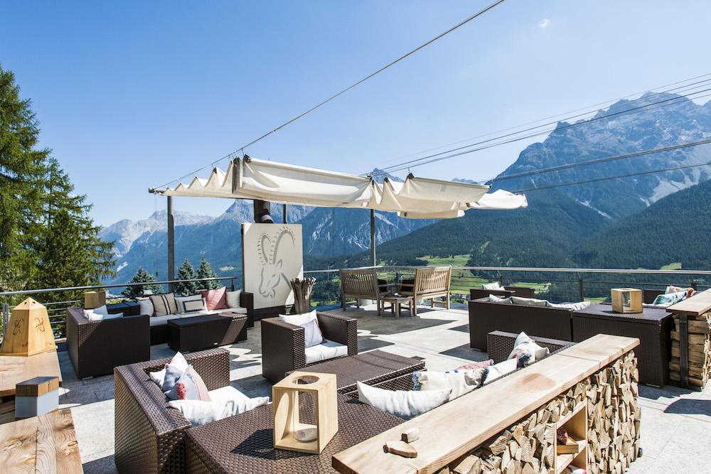 Hotel Paradies_Terrasse_Sommer_1©Arnt Haug.jpg
