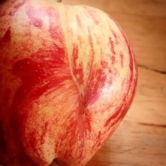#wonkyfruit #cameoapples #stillgurtlushmind