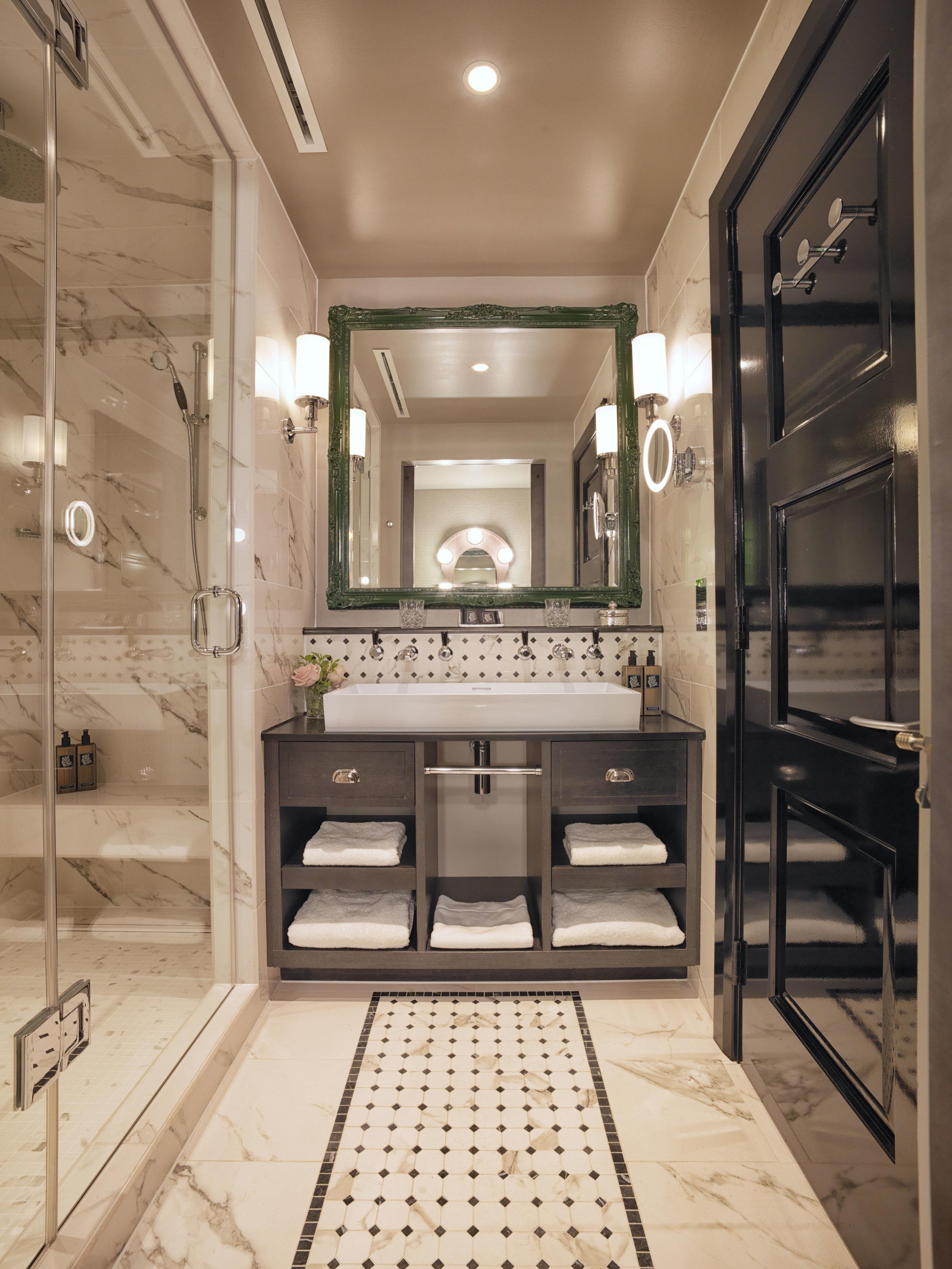 Adrian Houston_bathroom.jpg