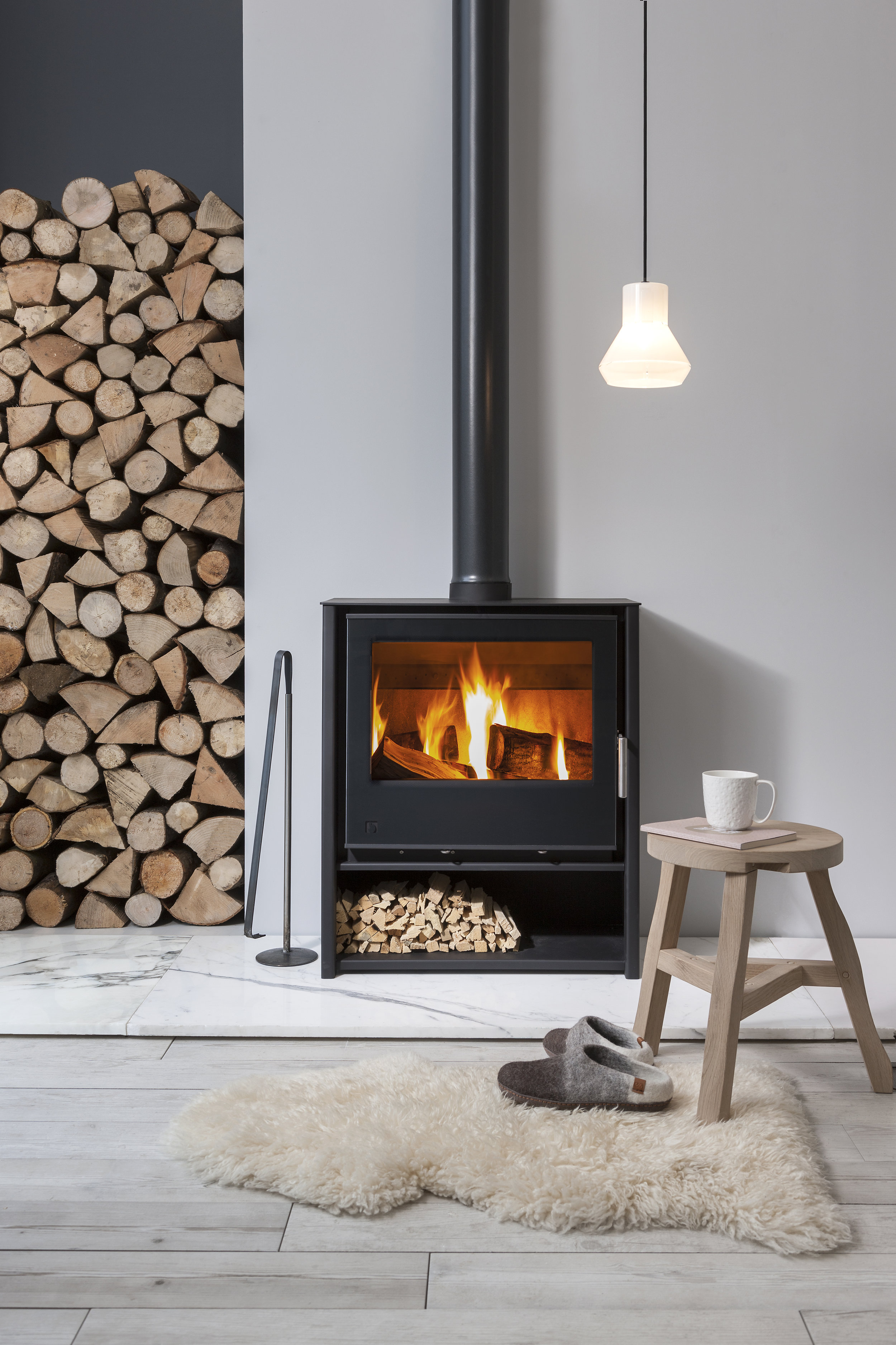 The  i600 slimline freestanding stove