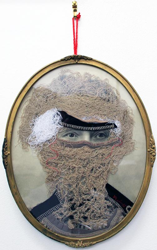 Masques II - 2014  photographie ancienne, laine, tissus  29 x 23 cm