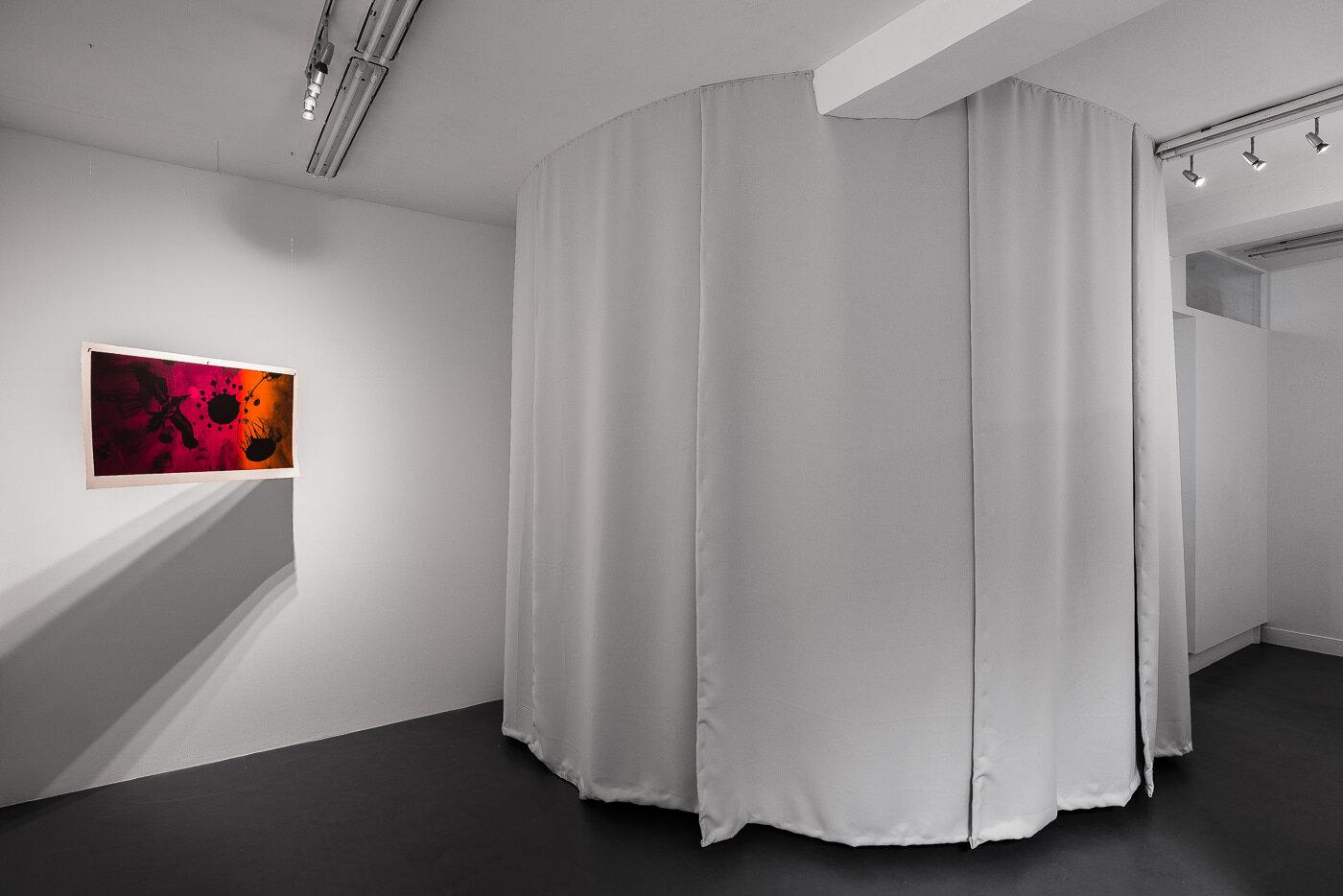 J'entends soudain des battements d'ailes - 2018  galerie Sator, Paris  © Grégory Copitet