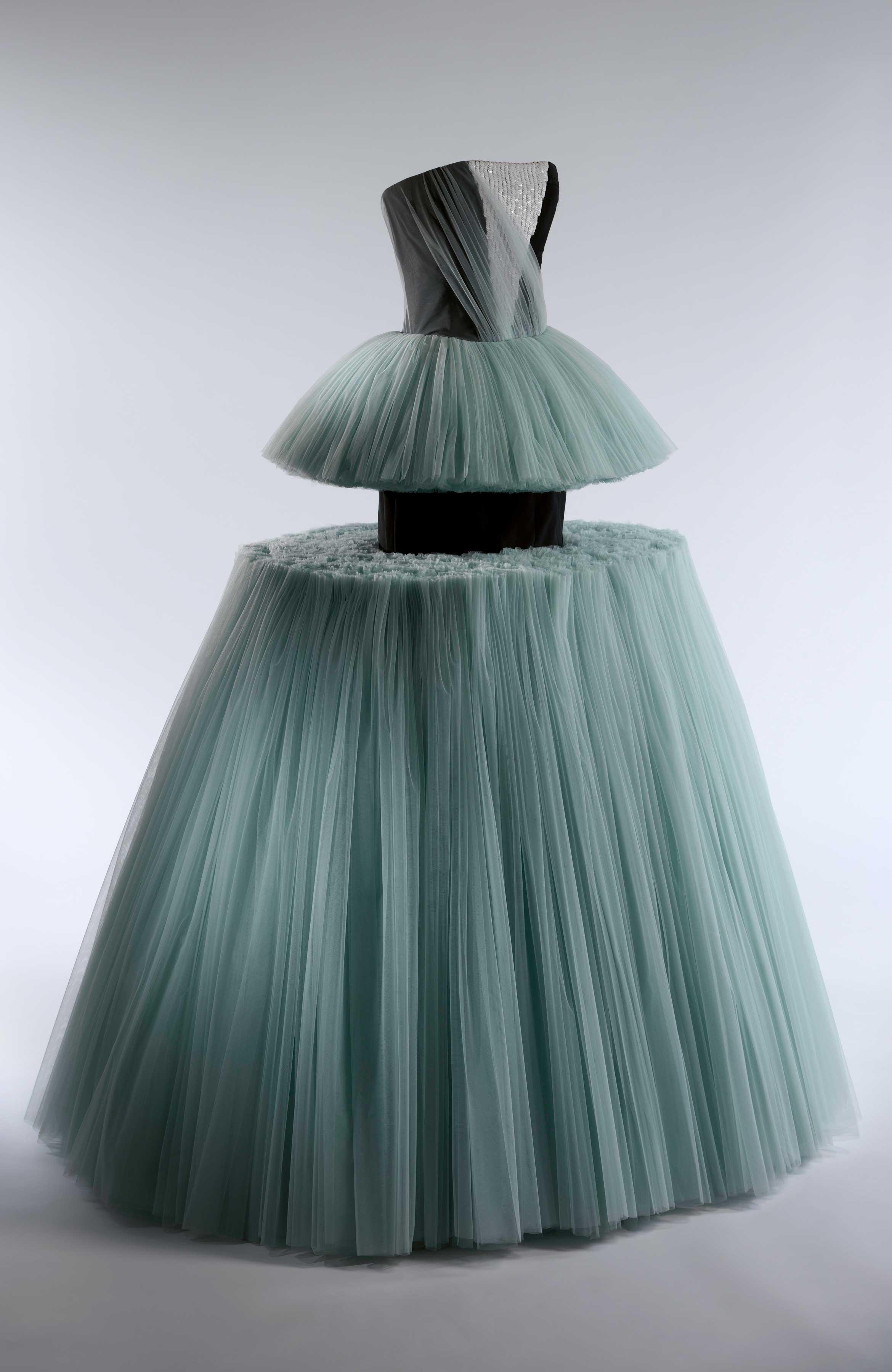 Masterworks: Unpacking Fashion fashion feat. Viktor & Rolf