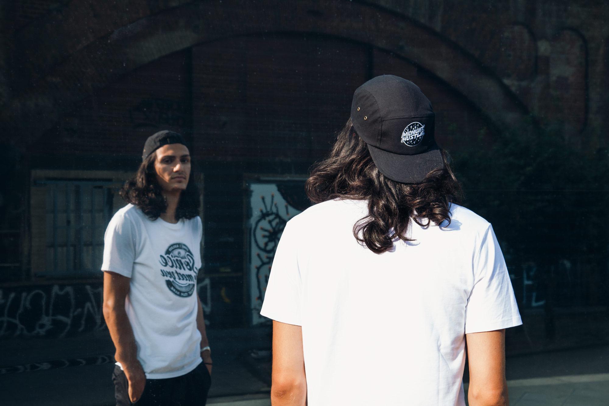 T-shirt and cap by SNEEER. ©Rylsee