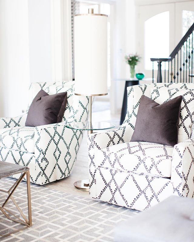 Love the hand painted fabric on these custom swivel chairs by @charlesraydallasshowroom @norwalkfurniturelex 📷 @jenmburner