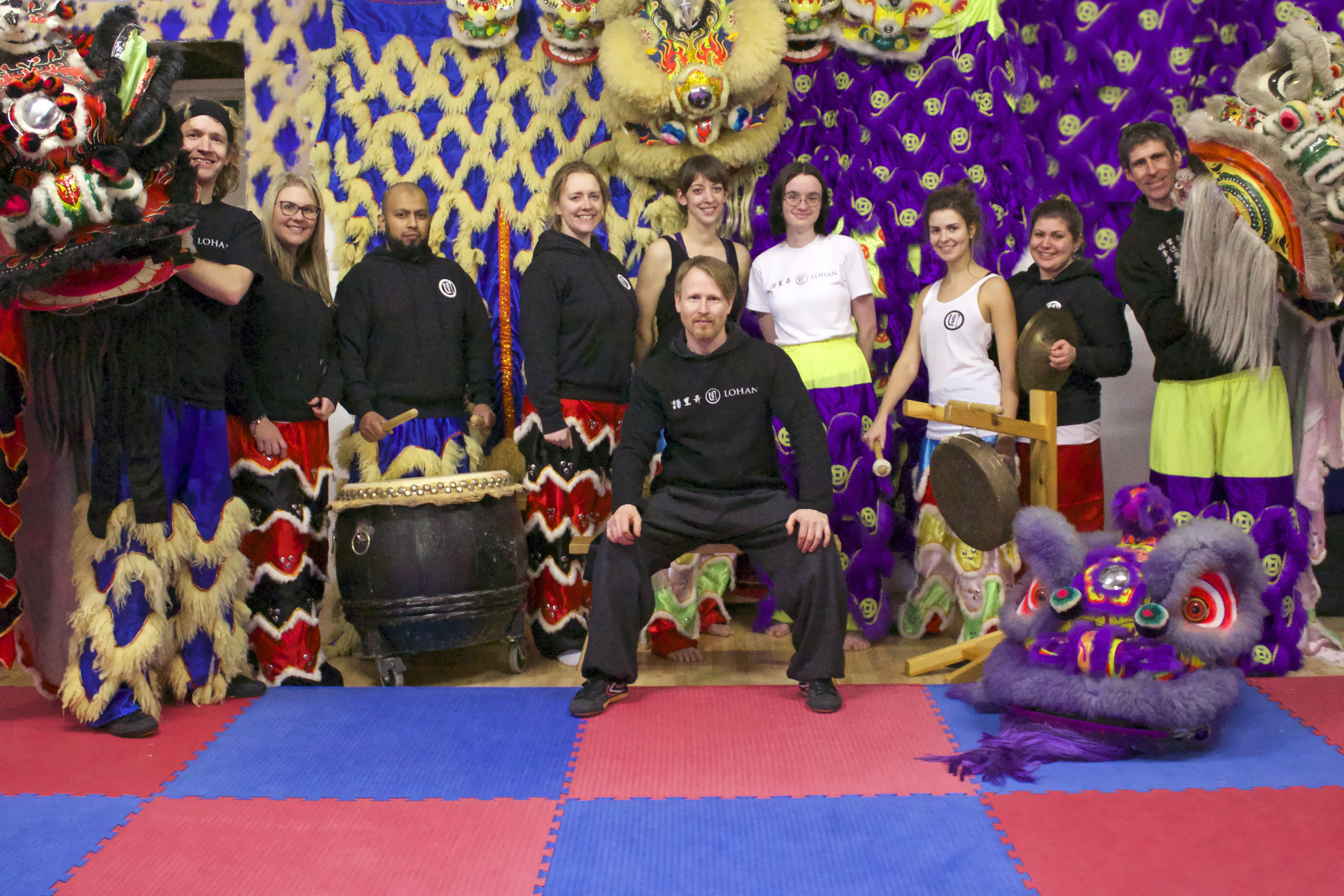 Chinese lion dragon dance hire uk