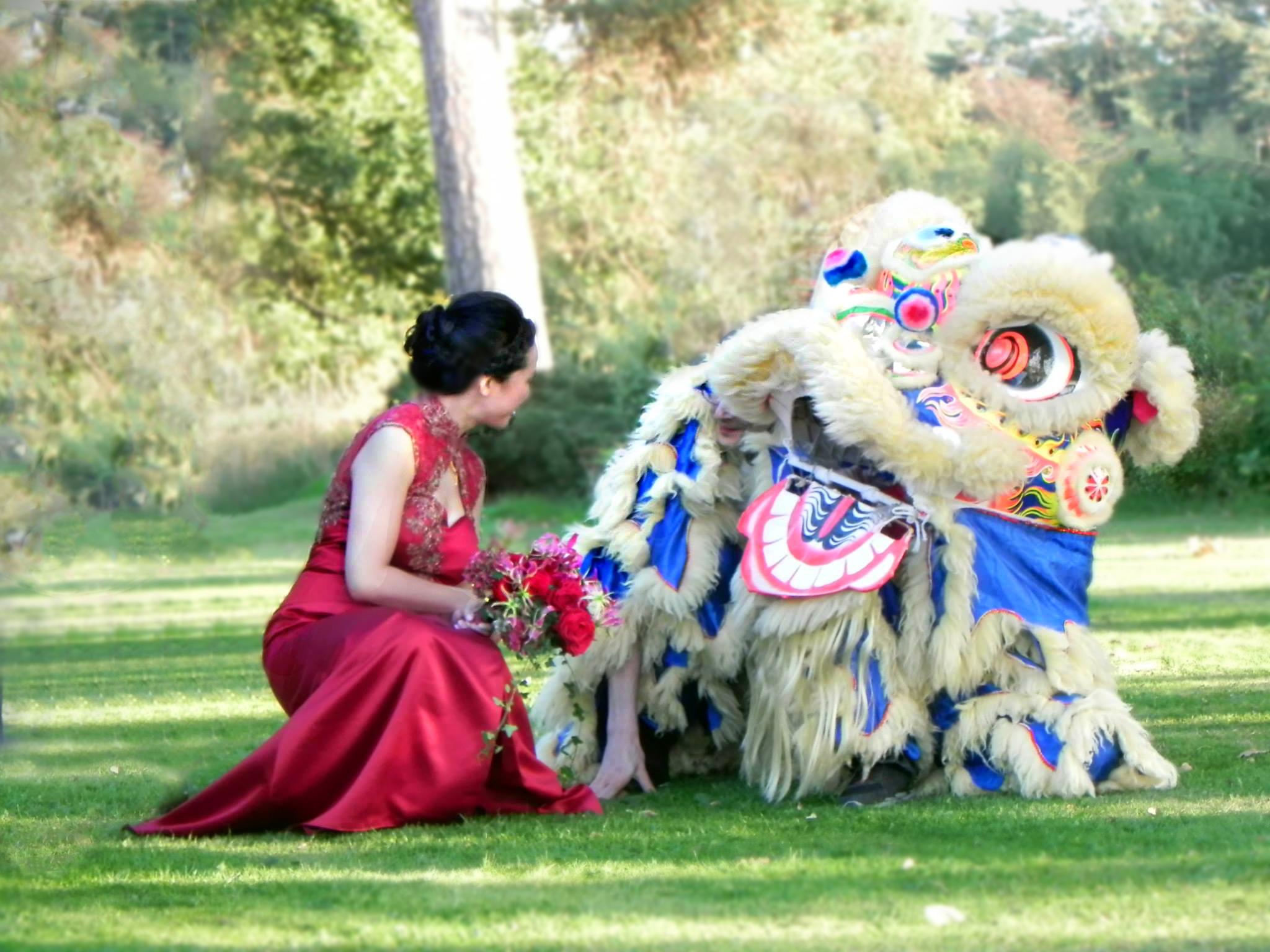 uk lion dragon dance hire wedding party_edited-1.jpg