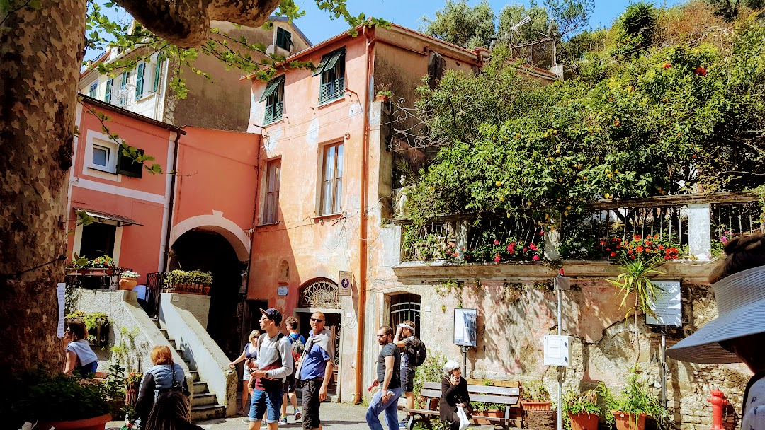 Cinque Terre painting holiday