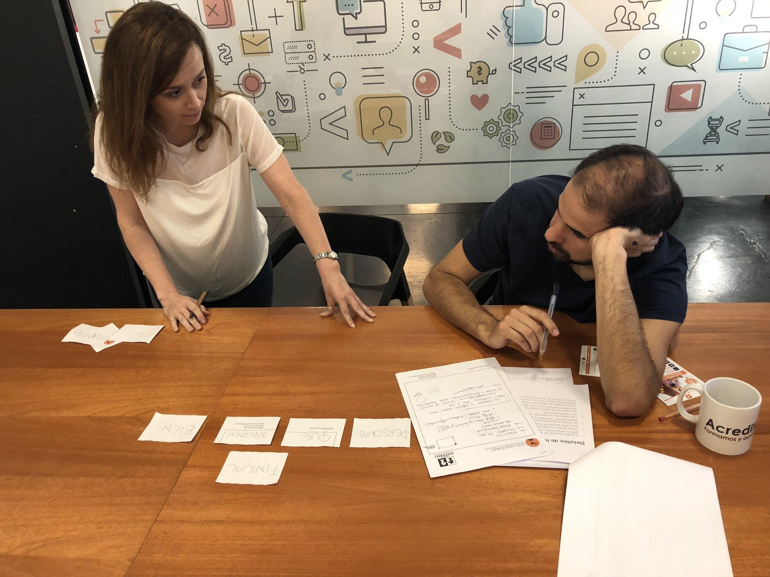 Nuestra mentora internacional Maca Lara dando mentoring al proyecto  Fintual , ganador de Capital Semilla.
