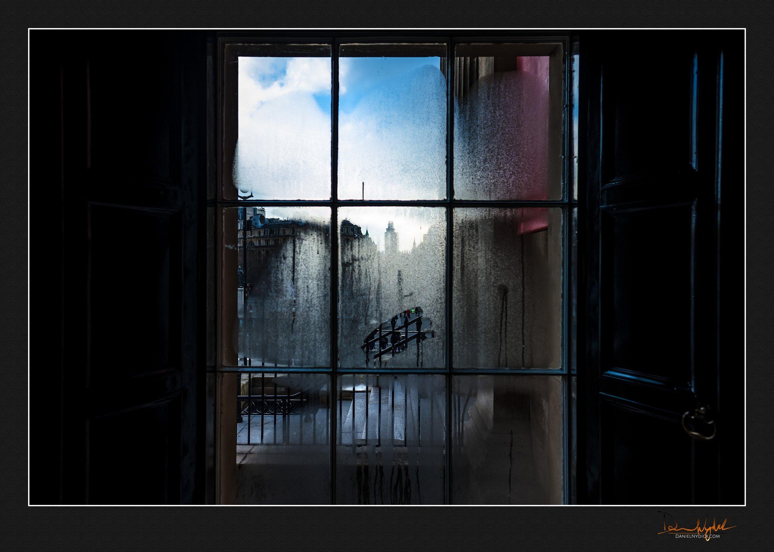 window, fog, national portrait gallery, smudge
